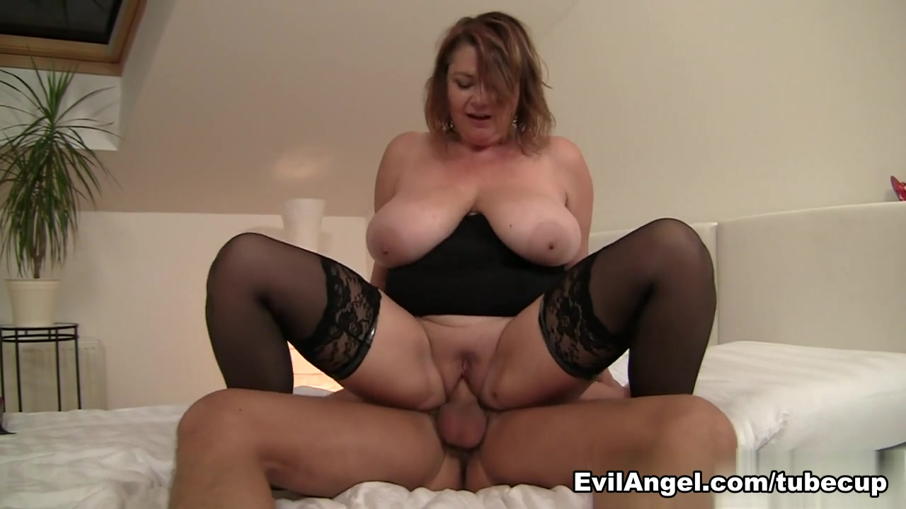 Horny pornstar Leny Ewil in Exotic Stockings, MILF adult movie