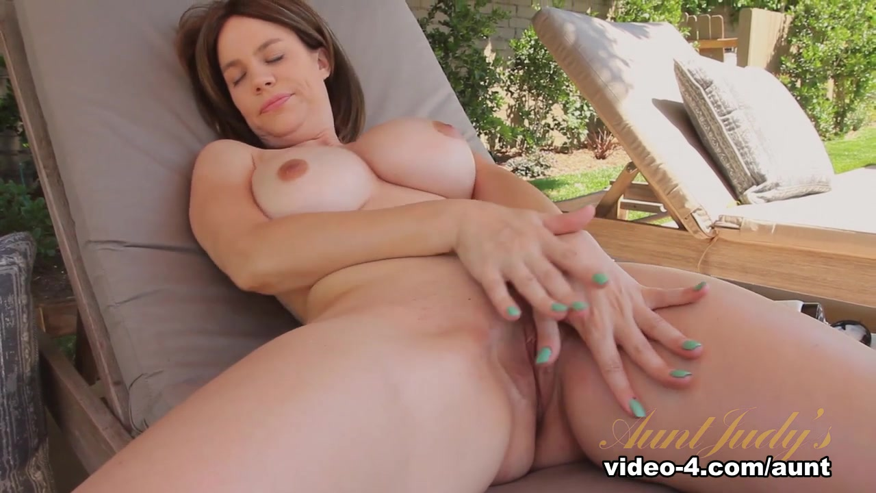 Horny pornstar Kelly Capone in Fabulous Outdoor, Masturbation porn scene