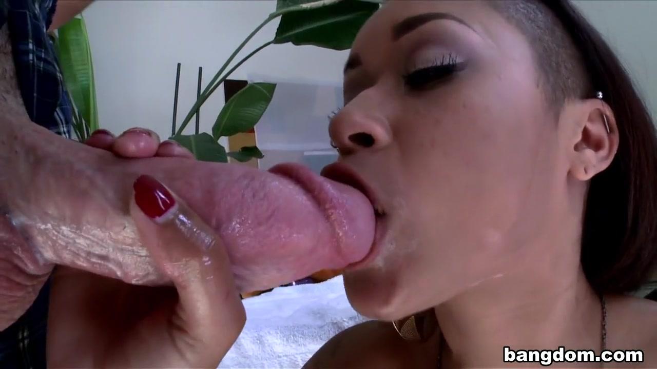 Ebony Goddess with Juicy Butt Enjoying…
