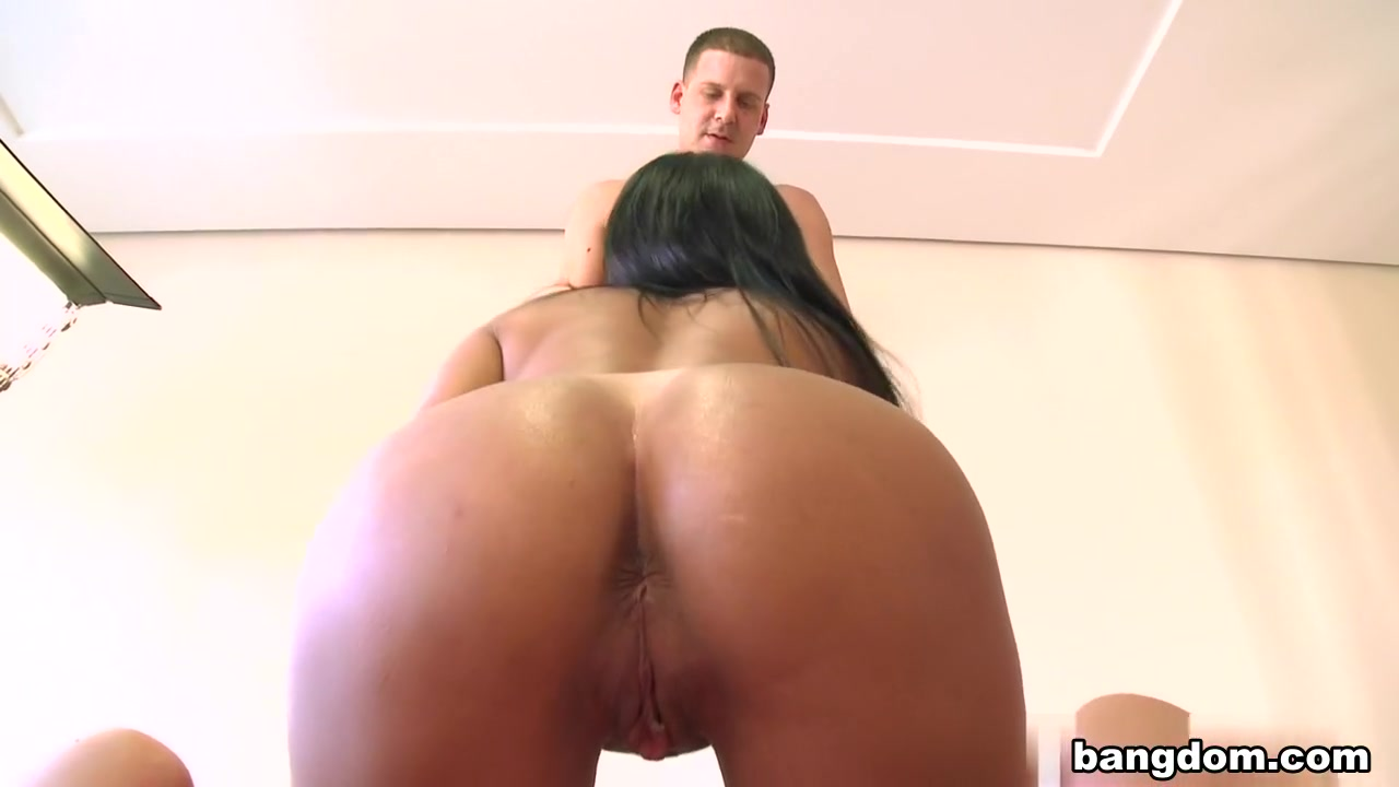 Nataly in Cleaning House With Nataly!