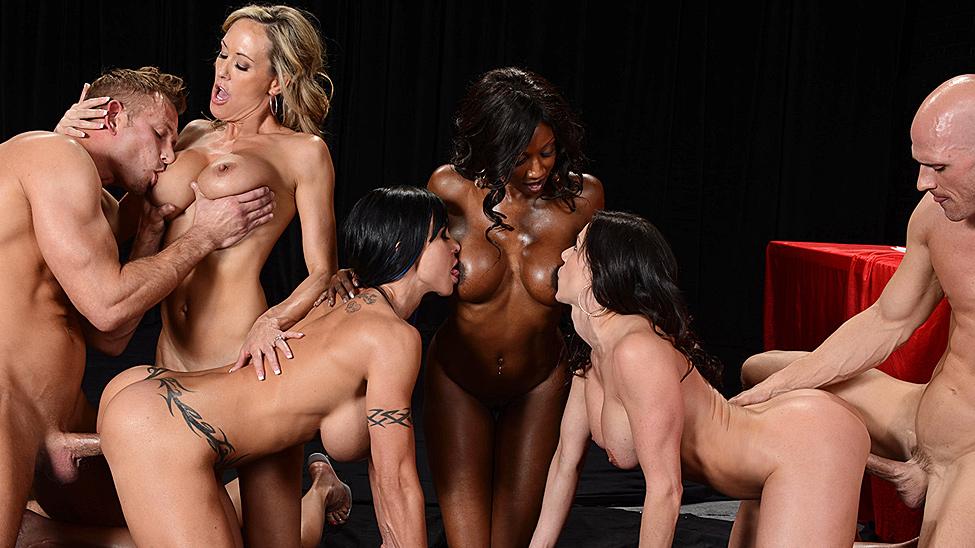 групповое порно сиськи